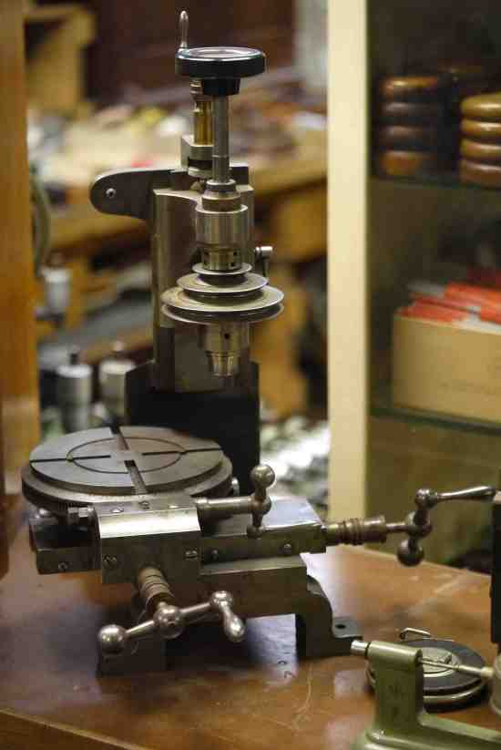 Antique milling machine