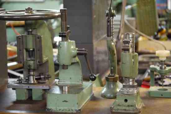 Bulova presses